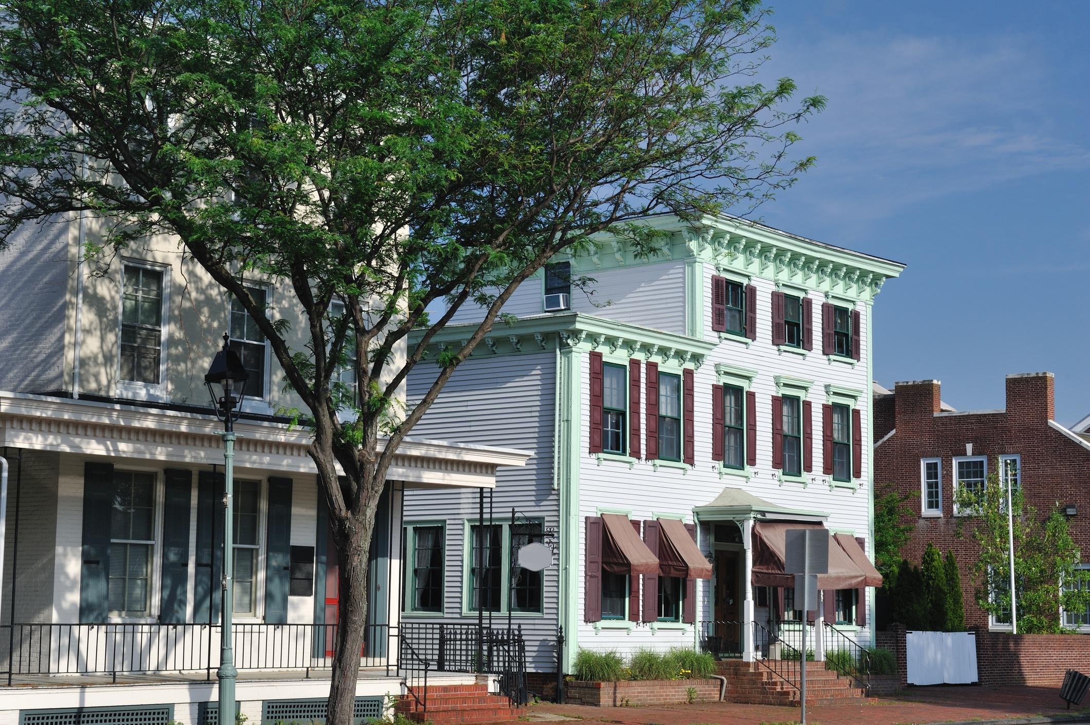 iStock-184089003_Downtown Development District Page.jpg